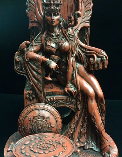 Celtic War an Love Goddess Maeve (Medb) Red and Black Resin Statue by Maxine Miller ©Maxine Miller - Front
